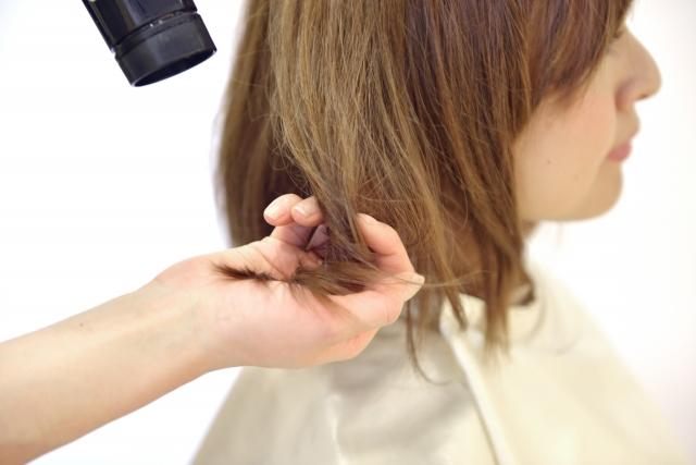ヘッドスパ ドライヤーで髪を乾かす